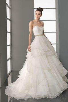 Tiers Sweetheart Organza Chapel Train A-line Wedding Dress