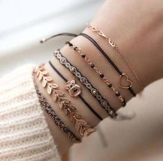 accessories, bracelet, and jewelry image Stylish Jewelry, Simple Jewelry, Cute Jewelry, Jewelry Accessories, Women Jewelry, Jewelry Ideas, Trendy Fashion Jewelry, Ankle Jewelry, Hand Jewelry