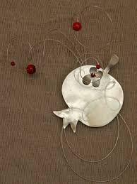 Αποτέλεσμα εικόνας για γουρια χειροποιητα Christmas Crafts, Christmas Decorations, Xmas, Christmas Ornaments, Holiday Decor, Pomegranate, Objects, Charmed, Metal