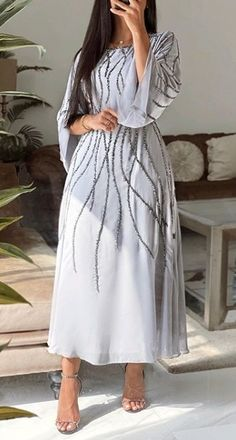 Pretty Prom Dresses, Prom Dresses With Sleeves, Simple Dresses, Cute Dresses, Hijab Fashion Summer, Modest Fashion Hijab, Mode Abaya, Mode Hijab, Fashion Drawing Dresses
