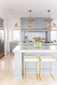 Kitchen Gilded Perch Project- Living with Lolo Interior Design Modern Farmhouse Kitchens, Farmhouse Kitchen Decor, Home Decor Kitchen, Kitchen Interior, Condo Interior Design, Interior Design Gallery, Modern Interior, Steel Dining Chairs, Minimal Kitchen Design