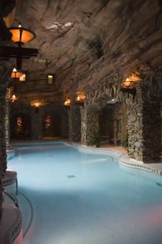 The Grove Park Inn. Tranquil underwater music while you float! Great Places, Places Ive Been, Beautiful Places, Places To Visit, Amazing Places, Dream Vacations, Vacation Spots, Underwater Music, Grove Park Inn