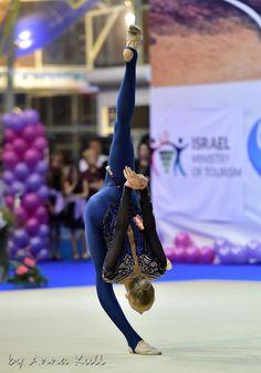 Olena DIACHENKO (UKR) Clubs Catsuit, Rhythmic Gymnastics Clubs, Beautiful Lines, Figure Skating, Leotards, Grand Prix, Ukraine, Olympics, Eilat