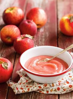 Make this easy applesauce recipe in your RICARDO electric pressure cooker or Instant Pot. Apple Recipes, Raw Food Recipes, Sweet Recipes, Ketchup, Microwave Apples, Pressure Cooker Applesauce, Ricardo Recipe, Compote Recipe, Coconut Peanut Butter