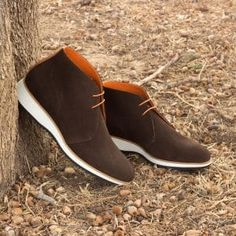 Handcrafted Custom Made Chukka Boots in Dark Brown Luxe Suede with Cognac Pebble Grain Leather From Robert August. Create your own custom designed chukka boots . Stylish Mens Fashion, Mens Boots Fashion, Men Fashion, Formal Shoes, Casual Shoes, Botas Casual, Men Casual, John Varvatos, Gentleman Shoes