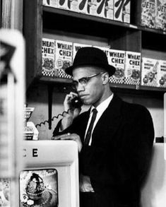 Malcolm X photographed by Eve Arnold during his visit to enterprises owned by Black Muslims in Chicago, Native American Images, African American History, Native American Indians, Malcolm X, Arte Do Hip Hop, Black Leaders, Black Panther Party, By Any Means Necessary, Vintage Black Glamour