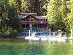 VRBO.com #346424 - Custom Cedar Home on the Sunny Side of Lake Cowichan
