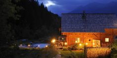 Bergchalet in traumhafter Lage - Kärnten Österreich Cabin, House Styles, Home Decor, Chalets, National Forest, Cottage House, Horseback Riding, Decoration Home, Room Decor