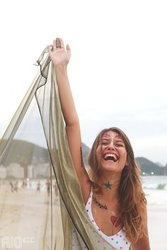 RIOetc | Quem samba na beira do mar é sereia