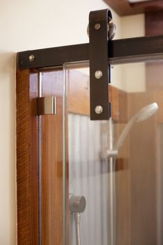 http://www.rvmaintenanceoptions.com/rvshowerdoors.php has some info on shopping for a shower door for a motorhome.