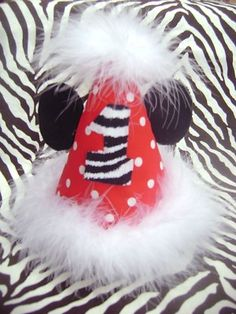 Minnie Mickey Birthday party hats..Custom made by ebay seller mysunshinekaylarose