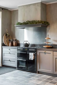living room ideas – New Ideas Kitchen Cabinet Layout, Rustic Kitchen Cabinets, Kitchen Reno, Kitchen Living, Kitchen Interior, New Kitchen, Cottage Kitchens, Home Kitchens, Rustic Home Design