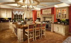 estupenda cocina clásica con isla cuadrada