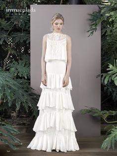 Dress: YURI / Collection: HANAMI - My Essentials 2017 Formal Dresses, Wedding Dresses, Yuri, One Shoulder Wedding Dress, White Dress, Collection, Essentials, Fashion, Dress Collection
