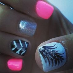 Pink & Feather & Sparkle Nails