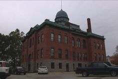 Menard County officials are discussing ways to preserve the historic Menard County Courthouse in Petersburg, Ill.