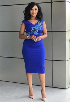 How to Look Classy Like Serwaa Amihere - 30+ Outfits in 2021 Short African Dresses, Latest African Fashion Dresses, African Print Dresses, African Print Fashion, African Prints, Classy Work Outfits, Office Outfits Women, 30 Outfits, Formal Outfits
