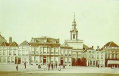 De Grote Markt in Bergen op Zoom met in het midden De Maagd.