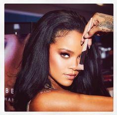 Chris ruskea Rihanna dating 2014