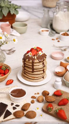 Maïa Chä, recipe for almond pancakes, lactose-free – video Easy Gluten Free Desserts, Quick Dessert Recipes, Köstliche Desserts, Delicious Desserts, Yummy Food, Almond Meal Pancakes, Crockpot, Pasta, Weird Food