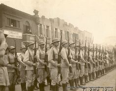 """""""tiro de guerra"""" CPOR? 1941? // Turma de 1944 - CÂMARA MUNICIPAL DE MARÍLIA"""