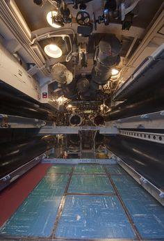 ✯ Submarine Torpedo Room