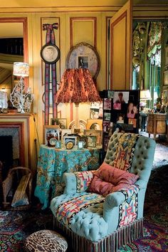 "Rooms as ""treasures"", in the extraordinary Parisian apartment of the Ornano family entirely furnished by Henry Samuel."