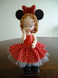 menina Minnie, topo de bolo.