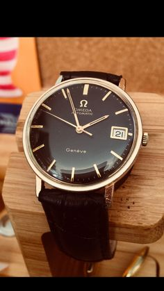 Vintage Watches Collection : Omega Men's vintage watch Cal 565 Automatic Rose Gold - Watches Topia - Watches: Best Lists, Trends & the Latest Styles Swiss Luxury Watches, Swiss Army Watches, Luxury Watches For Men, Vintage Omega, Vintage Watches For Men, Beautiful Watches, Cool Watches, Men's Watches, Omega Mens Watches