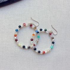 Lisa Yang's Jewelry Blog: How to Make Beaded Memory Wire Hoop Earrings: Free Tutorial..just like making stretch bracelets, memory wire has come full circle for me (pun not intended - On a recent trip to Michaels, I found Beadalon Memory Wire. if you're smarter than I am, go and buy the right cutters like these ones:  Beadalon Memory Wire Shear.