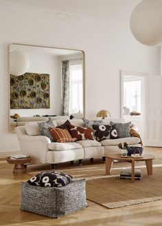 Beautiful Earthy Hues for Marimekko's Latest Home Collection Earthy Home Decor, Retro Home Decor, Home Decor Styles, My Living Room, Home And Living, Living Room Decor, Marimekko, Retro Interior Design, Trendy Home