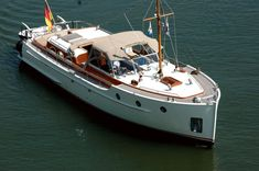 Trawler Yacht, Trawler Boats, Luxury Houseboats, Cruiser Boat, Dutch Barge, Landing Craft, Deck Boat, Classic Yachts, Boat Stuff