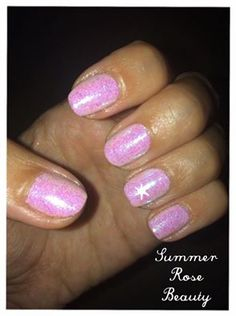 Charli Dunkley uses CND Shellac Cake Pop & #Lecenté Confetti Pink iridescent #glitter for these fab #nails #nailart #lovelecente