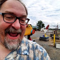 Sculptural selfie pit stop on the way to Highberry. #highberry #highberry2017 #pitstop #dhp