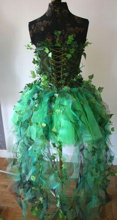 Costume ideas 128000814392121504 - poison ivy par fubukimorisan Source by fubukimorisan Pretty Outfits, Pretty Dresses, Beautiful Dresses, Poison Ivy Kostüm, Poison Ivy Dress, Halloween Kleidung, Poison Ivy Costumes, Poison Ivy Cosplay, Fairy Clothes