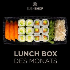 """Unsere Lunch Box des Monats kommt mit knackigem Salat, Edamame Bohnen, 6 California Pazific, 6 Spring Avocado Käse und 3 leckeren Sushi Lachs Nigiri """"heart""""-Emoticon   Jetzt bestellen unter http://www.mysushishop.de/de/livraison-lunch-boxes/lunch-box-of-the-month---mit-einer-beilage-773.html"""