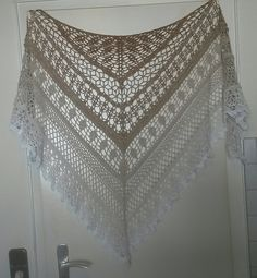 Ravelry: Edlothia pattern by Jasmin Räsänen Crochet Bolero, Crochet Diy, Crochet Shawls And Wraps, Crochet Woman, Knitted Shawls, Crochet Scarves, Crochet Clothes, Crochet Stitches, Crochet Shawl Free