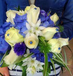 Bianco e Blu, rose e ortensia