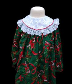 d7de7a6889 Vintage Smocked Christmas Dress Girl s Size 6 Lace Collar Candy Canes