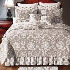Williamsburg Providence Quilt Collection features a medallion print in grey taupe on a soft white ground and reverses to a grey taupe on a white background with a medallion print with the coordinating accessories, Free Shipping on All Orders Over $100!