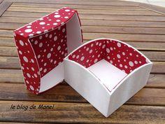 Les cartonnages de Manel / Boite carrée festonnée ouverte