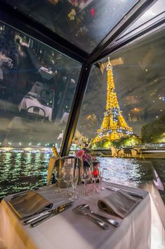 City Aesthetic, Travel Aesthetic, Places To Travel, Places To Go, Dinner In Paris, Paris At Night, Little Paris, Great Buildings And Structures, Paris Travel