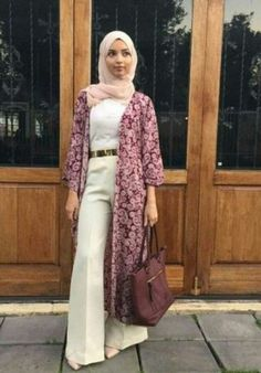 white palazzo pants outfit- How to wear long cardigan with hijab http://www.justtrendygirls.com/how-to-wear-long-cardigan-with-hijab/