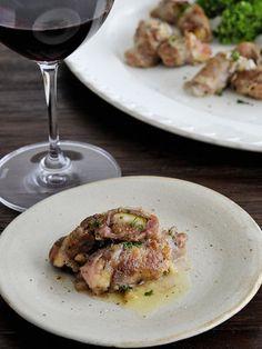 豚肉とフルーツはベストマッチ。ブルーチーズでコクをプラスして|『ELLE a table』はおしゃれで簡単なレシピが満載!