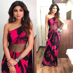 Latest Saree Blouse Designs To Try. Ethnic and cultural wear such as sarees are a trademark of the subcontinent women. sarees are a gift to the women of the subcontinent from their rich culture. New Saree Blouse Designs, Latest Saree Blouse, Latest Sarees, Salwar Designs, Indian Bridal Outfits, Indian Designer Outfits, Indian Dresses, Designer Dresses, Indian Clothes