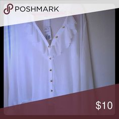 White button down blouse White blouse w gold buttons and ruffles. Very cute. Doesn't fit. Make an offer! Never worn! Make an offer. Negotiations welcomed! Forever 21 Tops Blouses