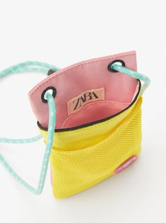 Two-tone cell phone case. Crossbody Bag, Tote Bag, Pouch, Wallet, Zara, Small Bags, Textiles, Mini Bag, Shoulder Strap