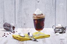 La granita al caffè  è  tipica della città di Messina: qui viene servita in bicchieri riempiti per metà di granita e ricoperti poi di panna montata.
