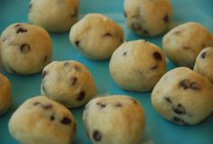 Fast Paleo » 1-minute Cookie Dough using almond flour. Would make an awesome treat! I'd chop up some Green & Black's 85% dark chocolate and toss in ;) - Paleo Recipe Sharing Site