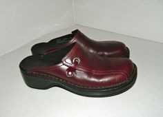 Women's Clarks Burgundy Red Leather Mules Clogs Shoes Slides Size 7 M #Clarks #Mules